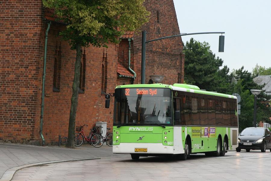 Tide Bus 8017/XJ94477 på Klosterbakken i Odense den 30. juni 2011