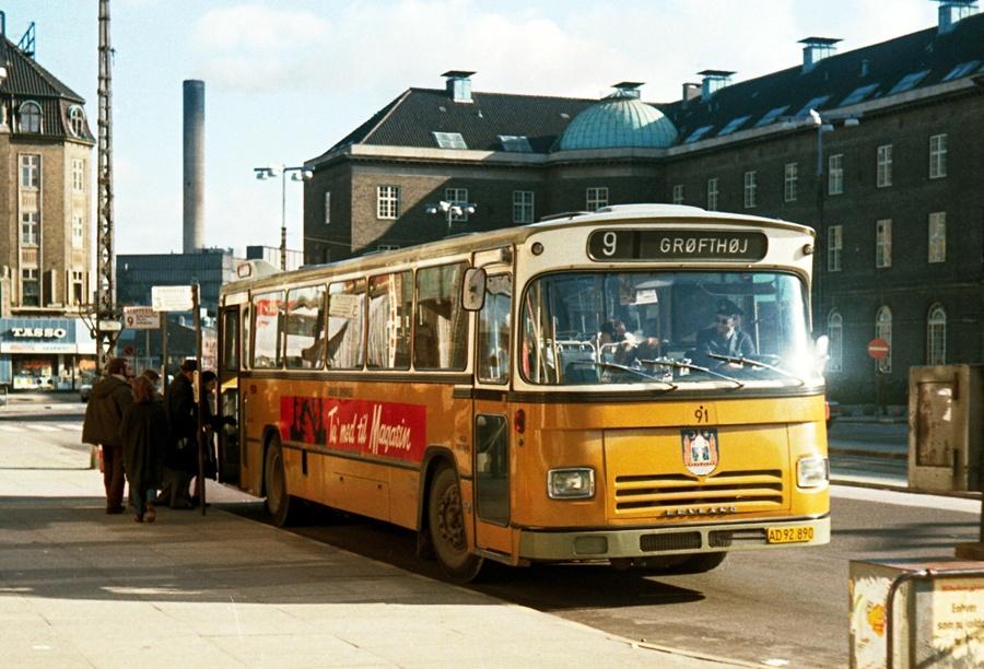 Århus Sporveje 91/AD92890 på Banegårdspladsen i Århus den 23. februar 1974