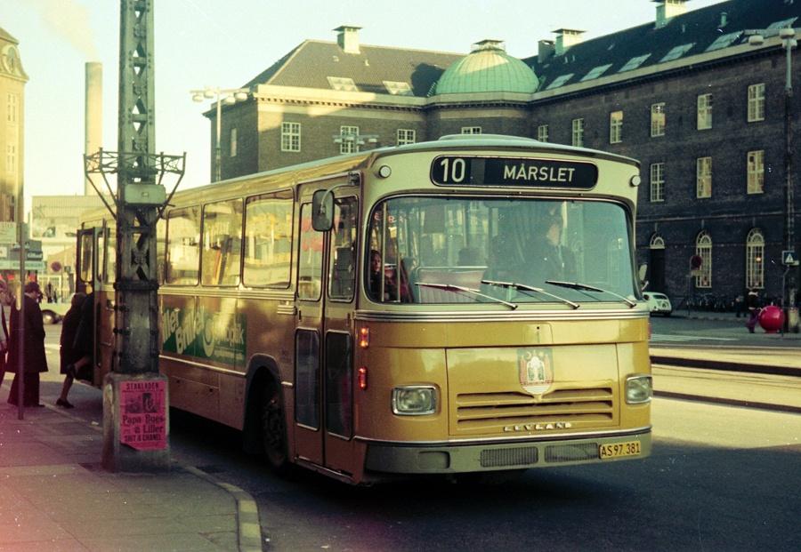 Århus Sporveje 1/AS97381 på Banegårdspladsen i Århus den 8. februar 1975