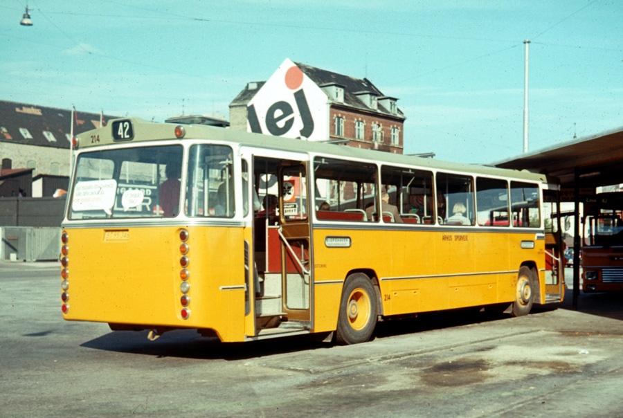 Århus Sporveje 214/BT95348 på Rutebilstationen i Århus den 31. juli 1975