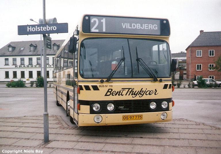 Bent Thykjær 119/OS97775 på Holstebro rutebilstation den 27. juli 2000
