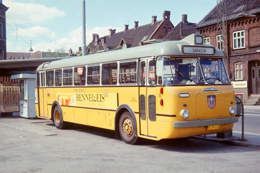 Århus Sporveje 158/BX89620 på Århus rutebilstation den 1. august 1975