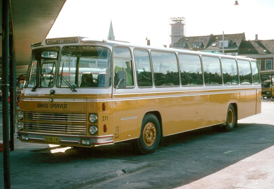 Århus Sporveje 271/CV88745 på Århus rutebilstation i juli 1978