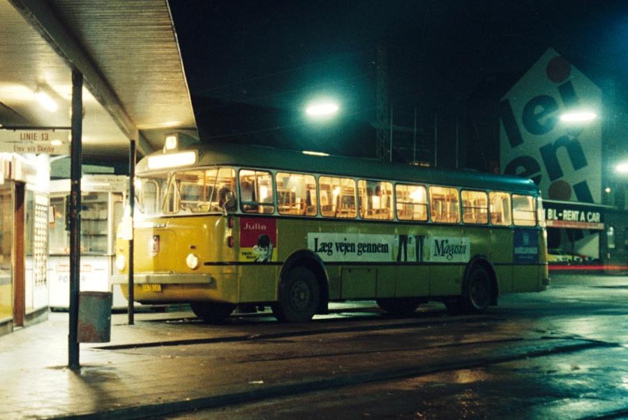Århus Sporveje 165/XA78165 på Århus rutebilstation den 2. december 1974