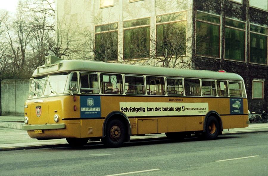 Århus Sporveje 169/XA78169 på Banegårdspladsen i Århus den 1. februar 1975