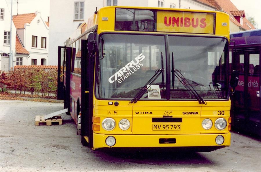 Unibus 30/MV95793 udstillet ved LDBs delegeretmøde i Sønderborg den 8. maj 1992