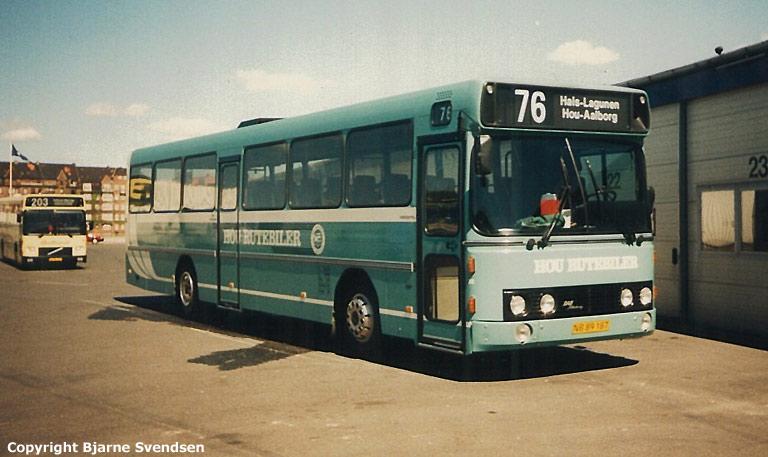 Hou Rutebiler 29/NB89187 på Aalborg rutebilstation den 17. maj 1995