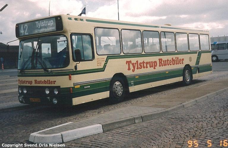 Tylstrup Busser 16/JJ92223 på Aalborg rutebilstation den 16. maj 1995