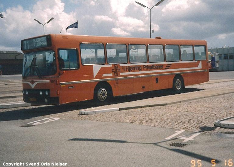 Hjørring Privatbaner 87/JL92340 på Aalborg rutebilstation den 16. maj 1995