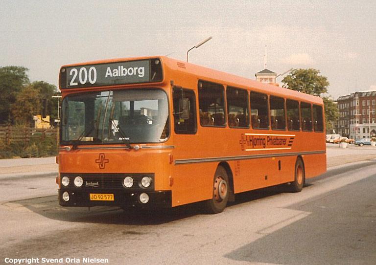 Hjørring Privatbaner 86/JD92577 på Aalborg rutebilstation den 16. maj 1995