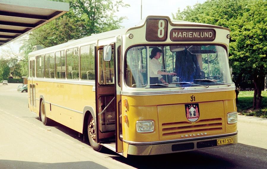 Århus Sporveje 31/CX97537 i Marienlund i Århus den 25. maj 1975