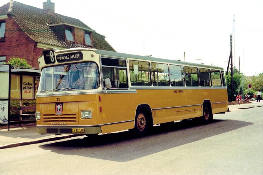 Århus Sporveje 33/CY92198 i Marienlund i Århus den 25. maj 1975
