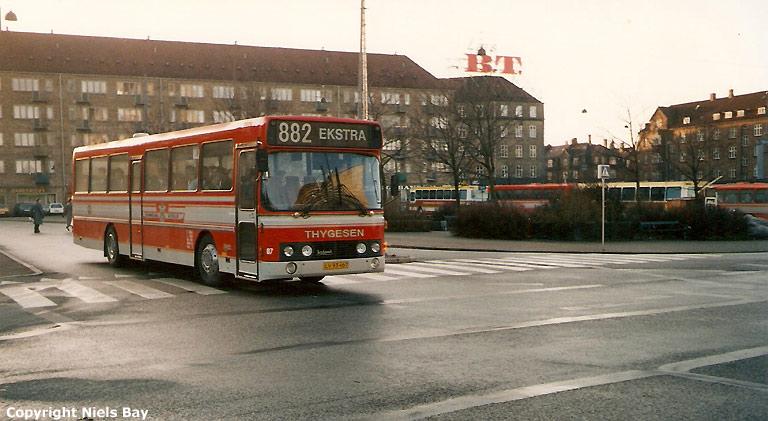 Østhimmerlands Rutebiler 87/LV93467 på Hans Knudsens Plads i København den 23. december 1989