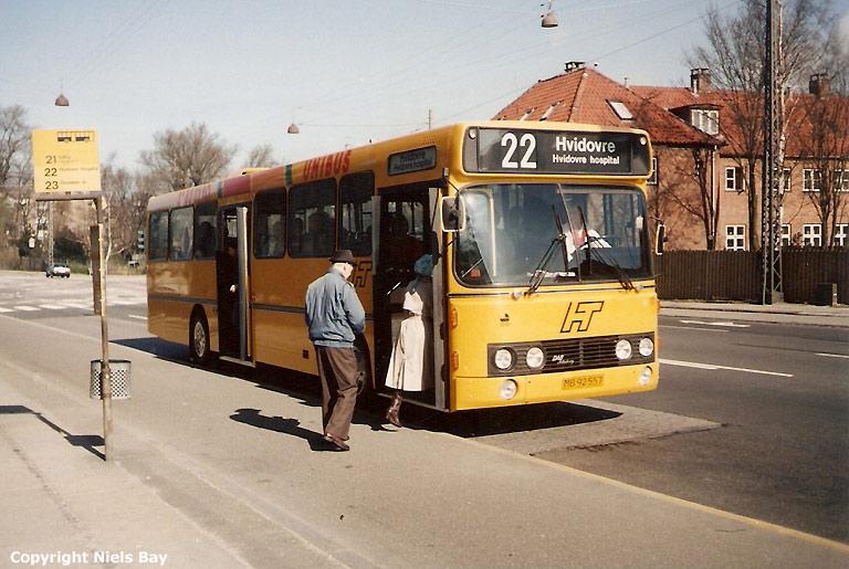 Unibus 17/MB92557 på Ålholmvej i København den 1. april 1990