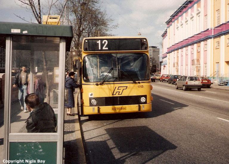 HT 1713/KU90844 i Hammerichsgade i København den 31. marts 1990
