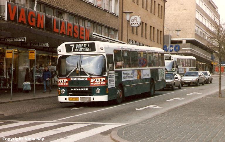 Randers Byomnibusser 106/EL89806 og 114/HV97611 på Østervold i Randers den 26. april 1988