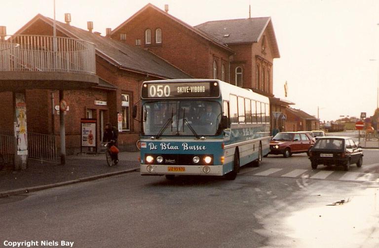 De Blaa Busser 34/JZ93970 ved Viborg st. den 3. oktober 1986