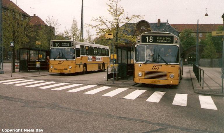 HT 1401/HX96922 og 1496/JB95560 på Toftegårds Pl. i Valby den 5. maj 1989