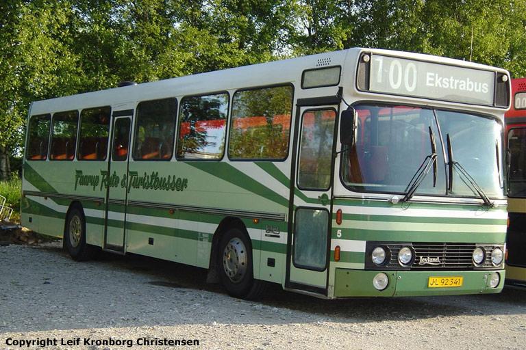 Faarup Rute- og Turistbusser 5/JL92341 i Faarup den 20. august 2005