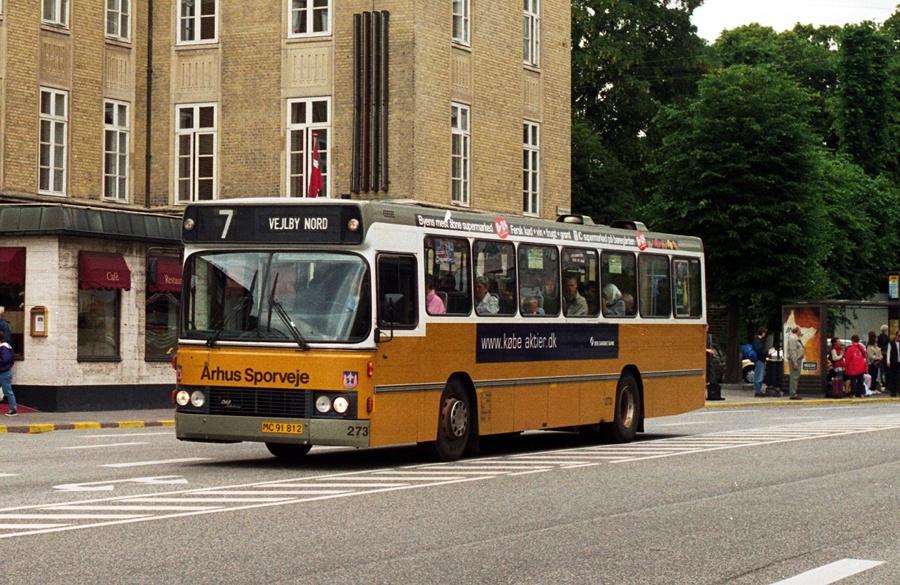 Århus Sporveje 273/MC91812 på Banegårdspladsen i Århus den 28. juni 2000