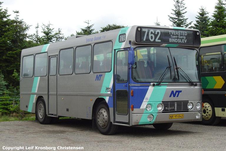 Tylstrup Busser 116/KR95843 i garagen i Tylstrup den 19. juni 2004