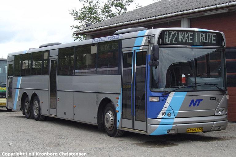 Tylstrup Busser 125/RN88779 i garagen i Tylstrup den 19. juni 2004