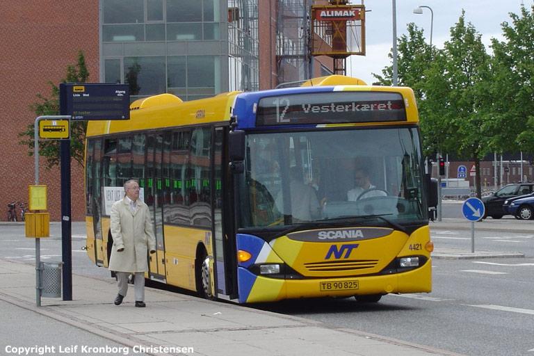 Arriva 4421/TB90825 i Aalborg den 18. juni 2004