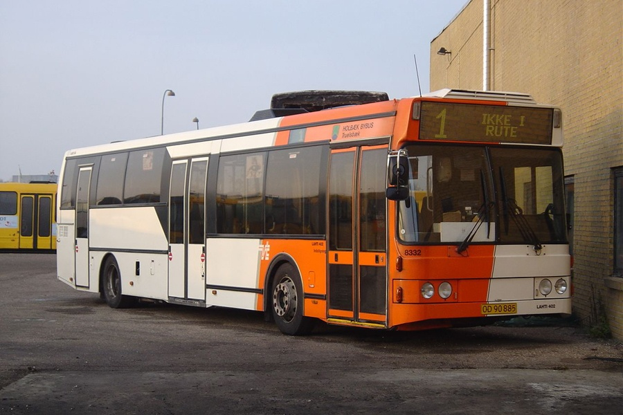 Arriva 8332/OD90885 i garagen i Holbæk den 10. december 2005