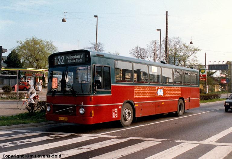 Hvidovre Rutebiler 14/JJ94066 på Gl. Køge Landevej i Valby i 1987