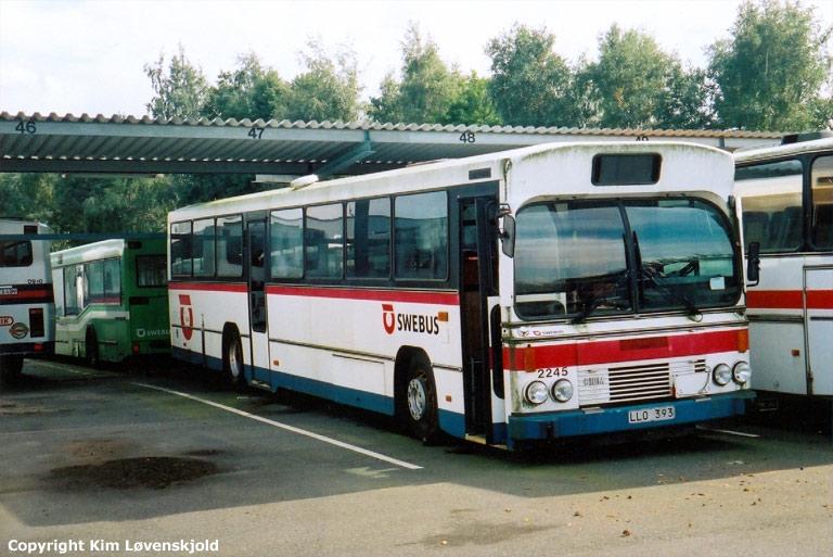 Swebus 2245/LLO393 i garagen i Kristianstad i 2001