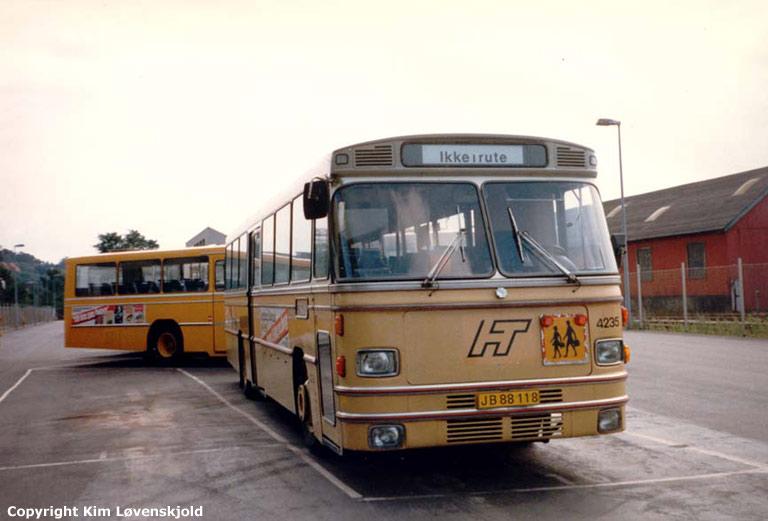 HT 4235/JB88118 i Frederiksværk i juli 1986