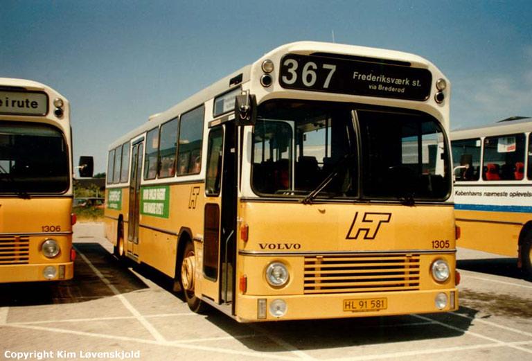 HT 1305/HL91581 i garagen i Fr. Værk i juli 1986