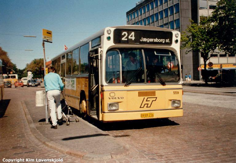 HT 559/BR89236 ved Nørreport st. i København i juni 1986