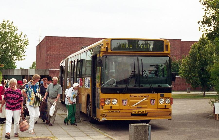 Århus Sporveje 423/NV89265 i Langkær den 18. juli 1997
