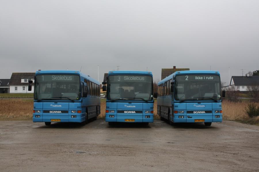Arriva 8691/UZ94845, 8646/RL96989 og 3202/PZ89729 i garagen i Bønnerup den 7. marts 2009