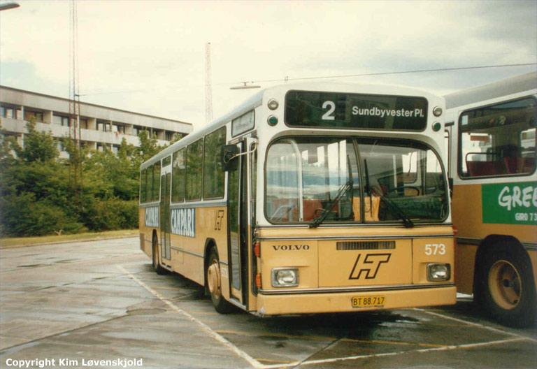 HT 573/BT88717 i garagen på Irlandsvej i København i juli 1986