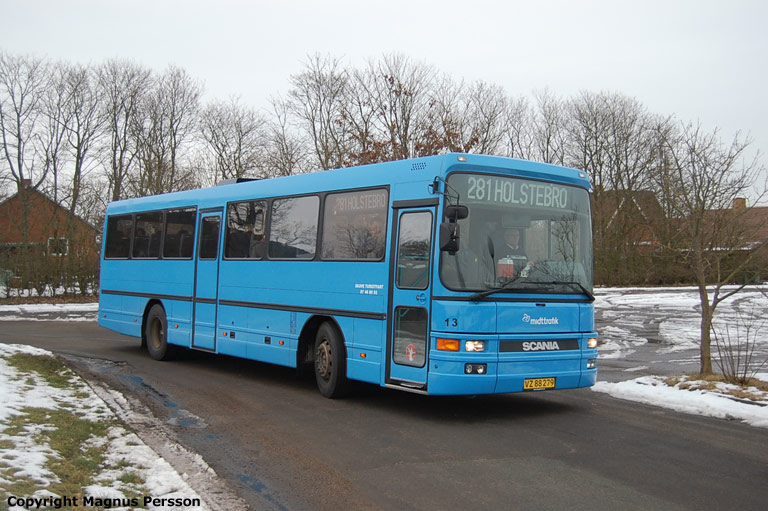 Skave Turistfart 13/VZ88279 ved Skave Skole den 18. februar 2009