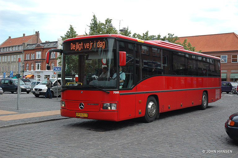 Iversen Busser 7666/UM94517 i Rønne den 2. juli 2007