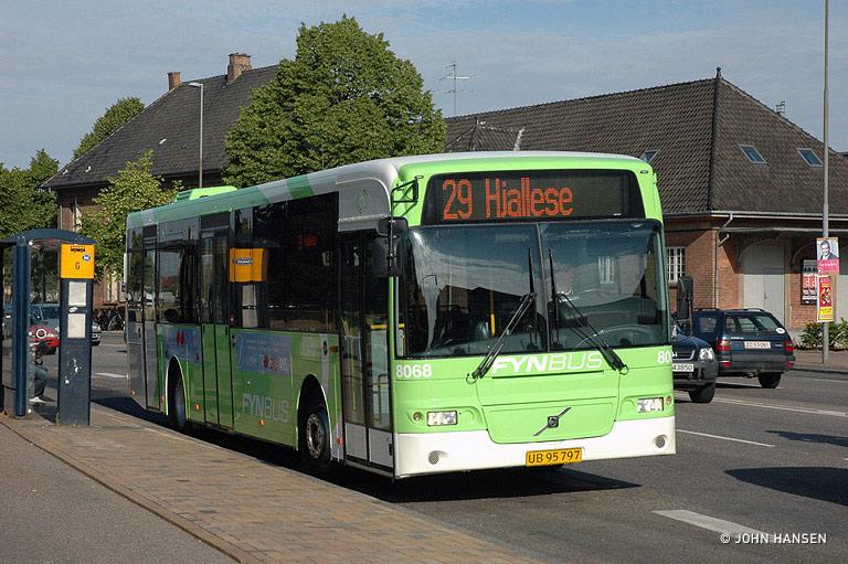 Tide Bus 8068/UB95797 på Østre Stationsvej i Odense den 19. juni 2009
