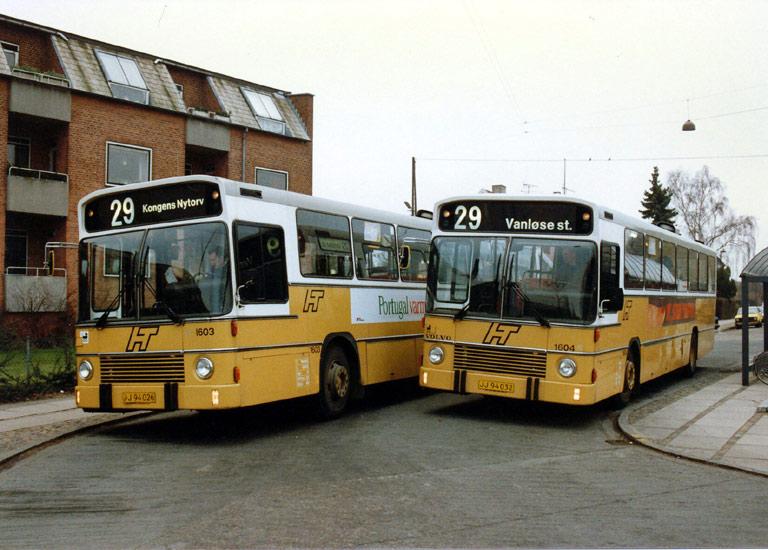 HT 1603/JJ94026 og 1604/JJ94032 på Apollovej i Vanløse i oktober 1987