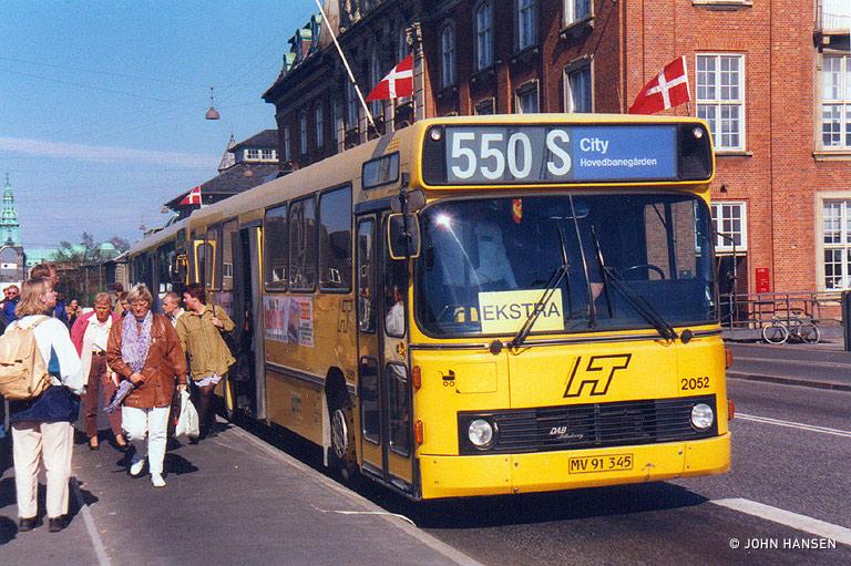 City-Trafik 2052/MV91345 på Tietgensgadebroen i København den 4. maj 1999