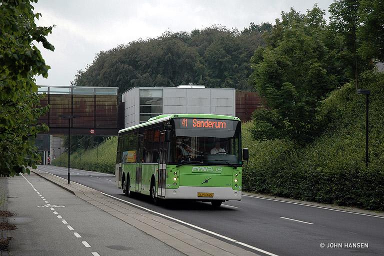 Tide Bus 8021/XJ94605 på Campusvej i Odense den 15. august 2009
