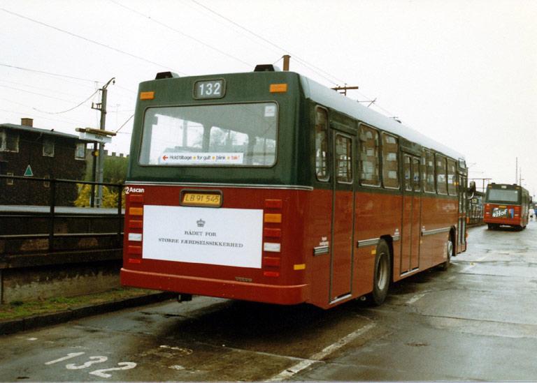 Hvidovre Rutebiler 32/LB91545 ved Valby st. i maj 1987