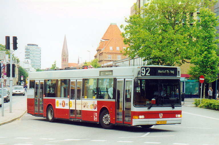 Odense Bytrafik 6/OK88898 på Albanigade i Odense den 22. juli 2000