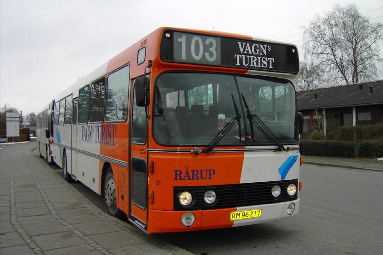Vagns Turist 01/RM96217 ved Løsning skole den 16. marts 2006