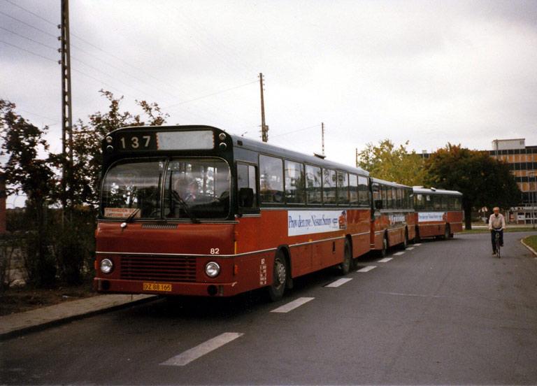 Hvidovre Rutebiler 82/DZ88165 ved Friheden st. i oktober 1986