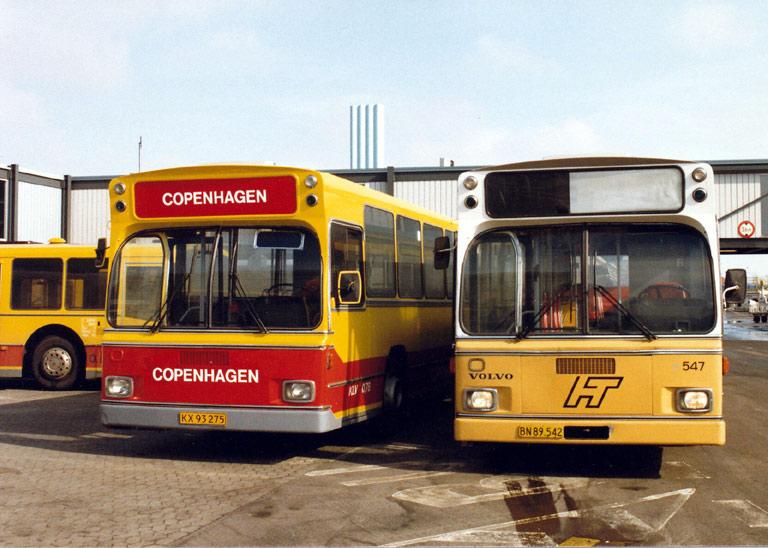 KLV 78/KX93275 og (77)/BN89542 i Kastrup Lufthavn i maj 1987