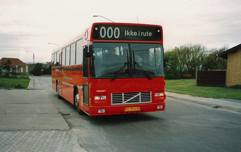 Knud Bæks Rute- og Turistbusser MJ95639
