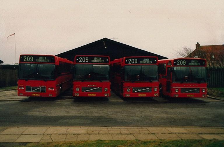 Knud Bæks Rute- og Turistbusser MJ95639, LP94378, KU90052 og JD95444