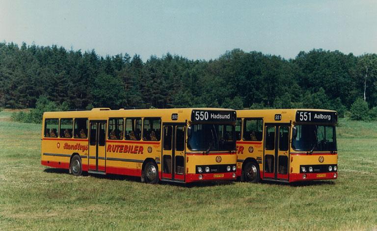 DAB fabriksfoto af Standleys Rutebiler 3/KS97921 og 4/KS97922